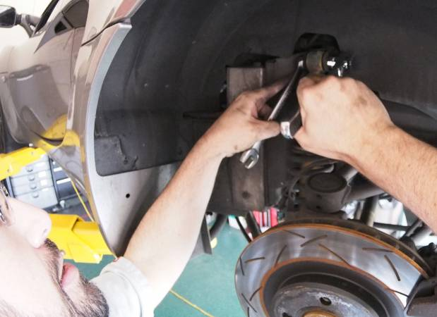 Image 2199 from Replace the Shocks And Springs on a Lotus Elise