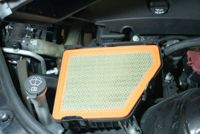 Image 2885 from Replace the Air Filter on a Chevrolet Camaro