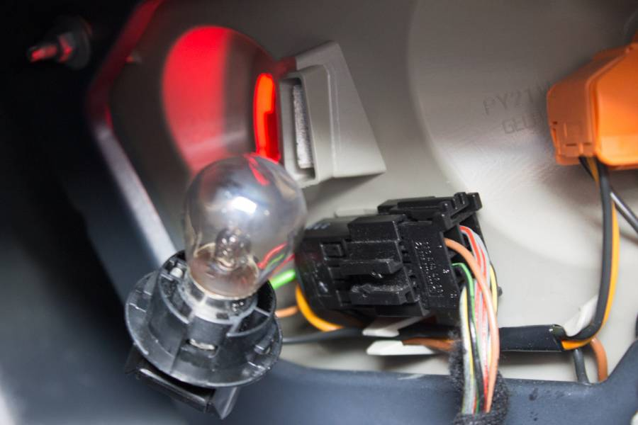 Amazing Image 3740 From Replace A Brake Light Bulb On A Chrysler Crossfire