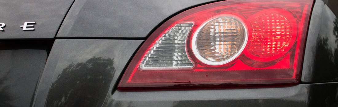 Replace A Brake Light Bulb On A Chrysler Crossfire Gallery