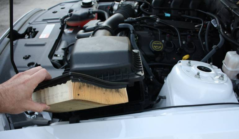 Image 4269 from Replace the Air Filter on a 3.7 V6 Ford Mustang