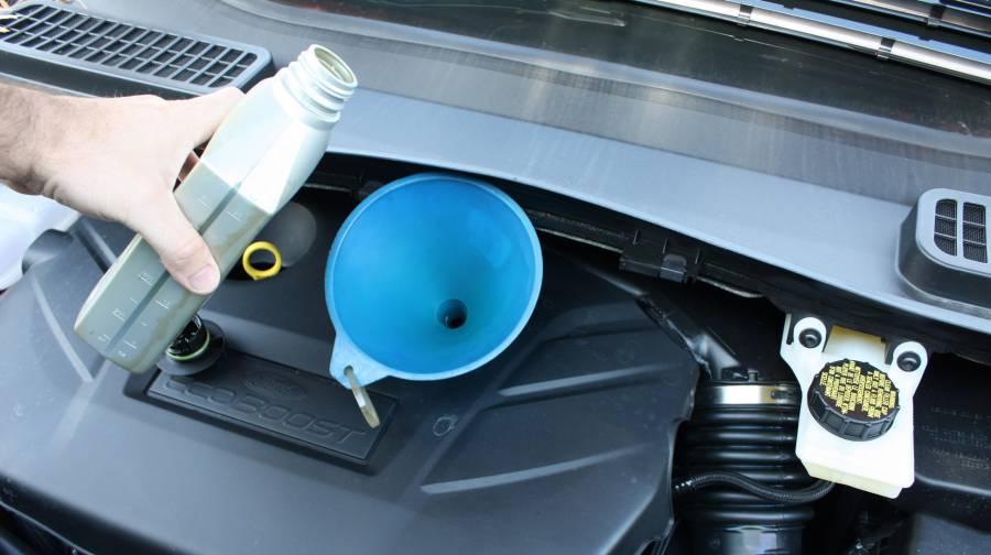 how to change oil 2013 autos weblog. Black Bedroom Furniture Sets. Home Design Ideas