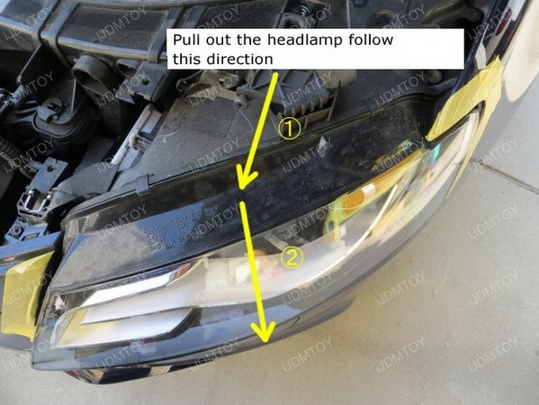 Image 4729 from Install the PH24WY LED Turn Signal Light on a Audi Q5