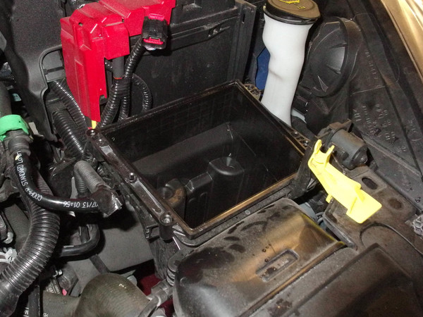 Image 6006 from Replace the Air Filter on a 2014 Ford Fiesta ST