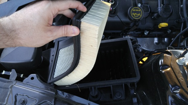 Image 6413 from Change the Engine Air Filter on a 2015+ Ford Mustang 3.7l V6
