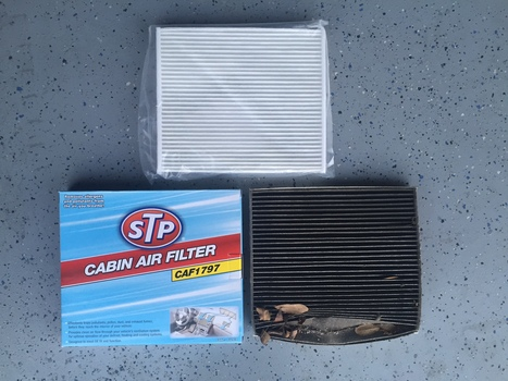 Image 6664 from Change the Cabin Air Filter on a Chevrolet HHR