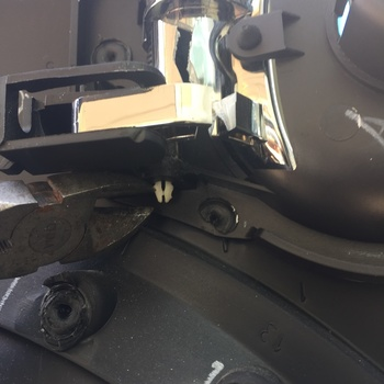 Image 7570 from Replace the Door Handle on a 2011 Chevrolet HHR