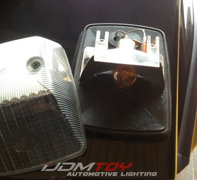 Image 7589 from Install the LED Turn Signal Lamps on a 1990-up Mercedes G-Class