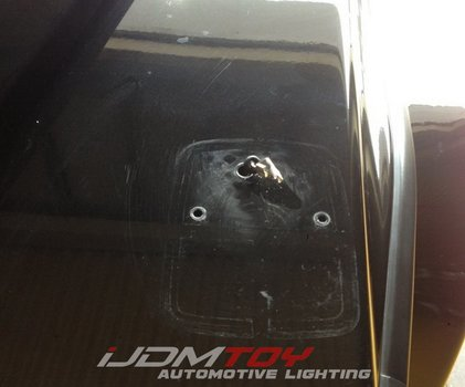 Image 7590 from Install the LED Turn Signal Lamps on a 1990-up Mercedes G-Class