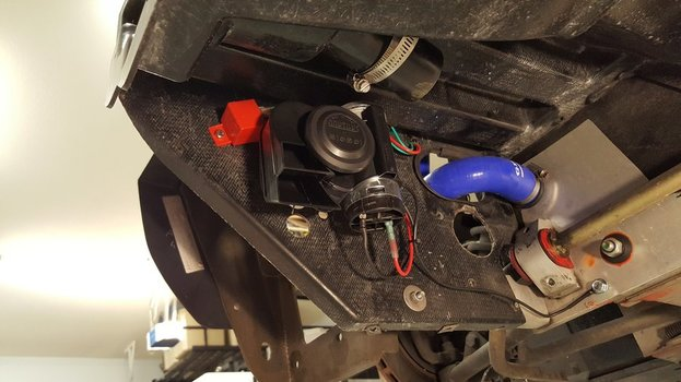 Image 7673 from Install the Stebel Nautilus horn on a Lotus Exige and Elise
