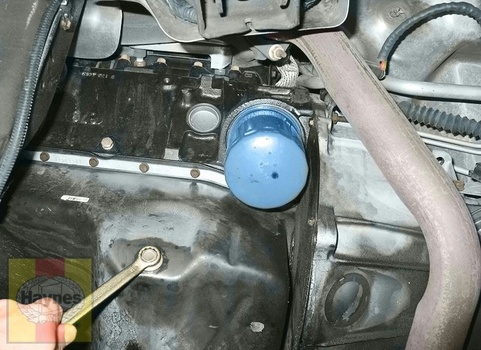 Image 8104 from Change the Oil on a 2008 Chevrolet Express 1500