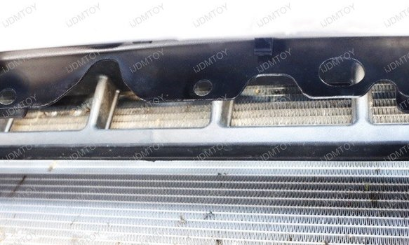 Image 8269 from Install the LED Light Bar on a 17-up Ford F-250 F-350 F-450