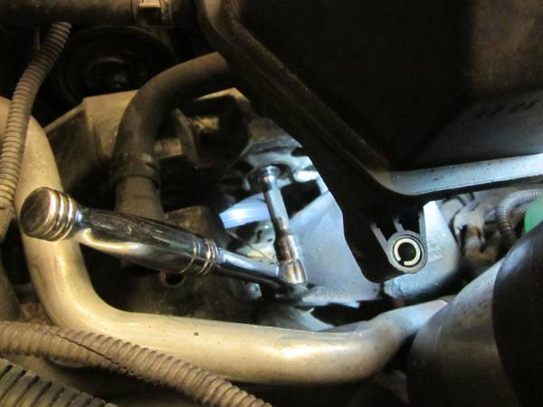 Image 1542 from Replacing the Timing Belt on a Volkswagen Jetta TDI MKIV