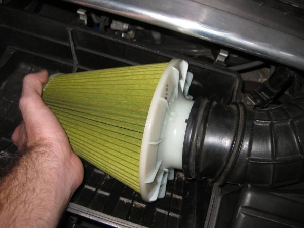 Image 1506 from Replace the Air Filter on a Honda S2000