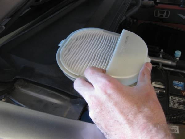 Image 1734 from Replace the Dust & Pollen Filter on a Honda S2000